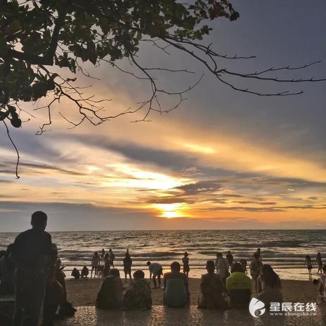 海边亲子拍摄 夕阳
