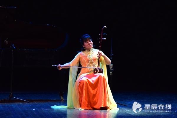 感受千年民族乐器的余韵 用二胡带你领略中国式爱情表达